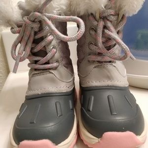 Carter's snow boots (toddler)